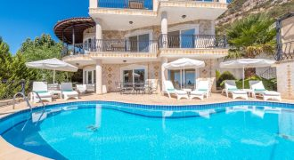 5 Bedroom Detached Luxury Villa For Sale in Kalkan