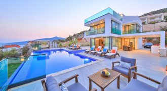 BEAUTIFULLY PRESENTED FIVE BEDROOM LUXURY VILLA WITH UNINTERRUPTED KALKAN SEA VIEWS