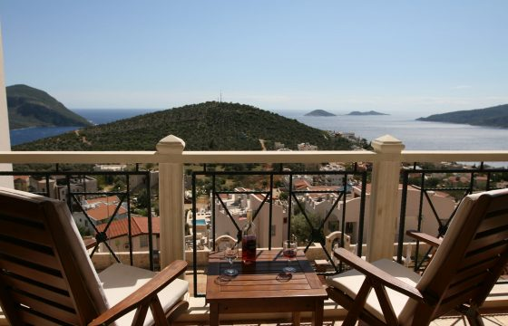 Three Bedroom Penthouse Apartment With Sea View