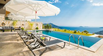 For Sale Superbly Presented 5-bedroom Villa close to the Mediteran Hotel in Kalkan