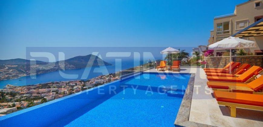 Very Modern Five En Suite Bedroom Detached Villa With Gallery Living Area. Main infinity pool With Jacuzzi Pool.Fully Furnished & Air Conditioned Throughout.