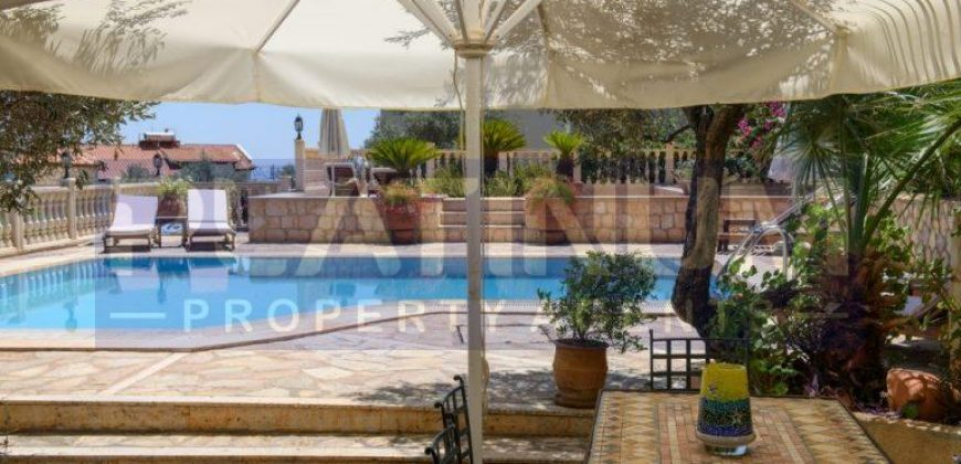Three Bedroom Three Bathroom Detached Villa With Large Private Pool & Sea View